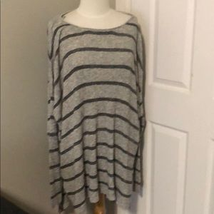 Free People oversize L sweater
